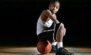 Αυτόν τον 11χρονο μπασκετμπολίστα, θα τον λατρέψετε! (βίντεο)