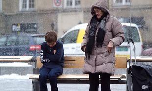 Τι θα κάνατε αν βλέπατε ένα παιδί να κρυώνει; (βίντεο)