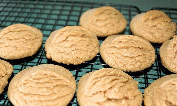 Συνταγή για πεντανόστιμα νηστίσιμα μπισκότα κανέλας έτοιμα σε 15 λεπτά