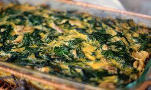 Συνταγή για πανεύκολο σουφλέ με σπανάκι και ψωμί του τοστ