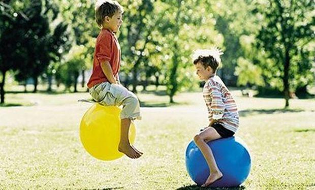 Οταν οι γονείς συγκρίνουν, πώς νιώθουν τα παιδιά;