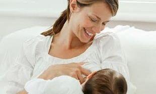 «Ο μητρικός θηλασμός δεν είναι πάντα το καλύτερο». Η μαία που πυροδότησε αντιδράσεις!
