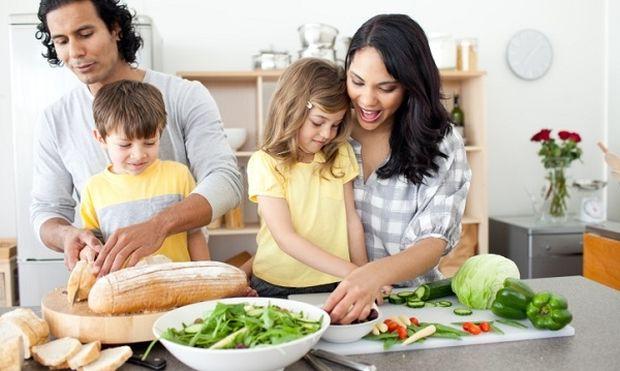 Κάνει τα παιδιά να νηστεύουν; Από τη διατροφολόγο Ευσταθία Παπαδά