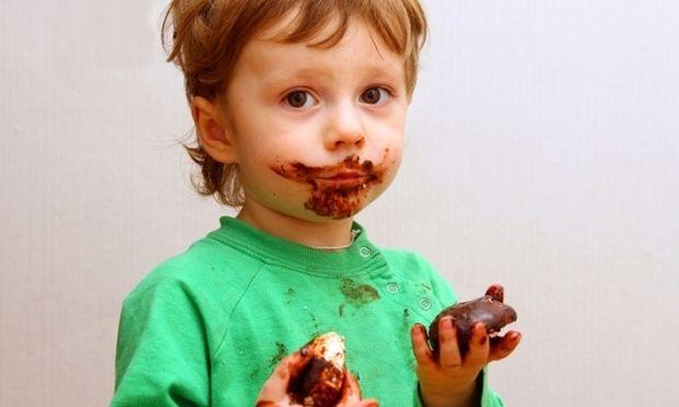 Πώς βγαίνει ο λεκές από σοκολάτα;
