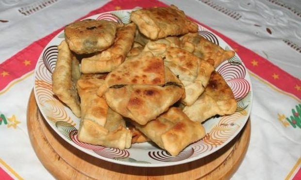 Συνταγή για πεντανόστιμα και εύκολα χορτοπιτάκια
