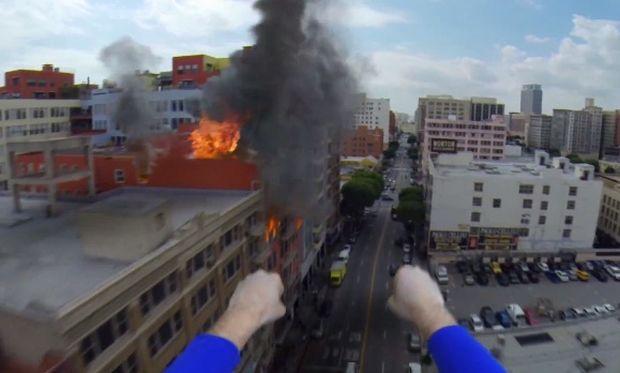 Eτσι βλέπει ο Σούπερμαν τον κόσμο από ψηλά! Ενα απίθανο βίντεο!