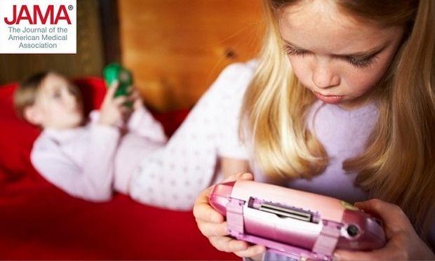 Ερευνα: Τηλεόραση, βιντεοπαιχνίδια, tablets και smartphones βλάπτουν το ευ ζην των παιδιών