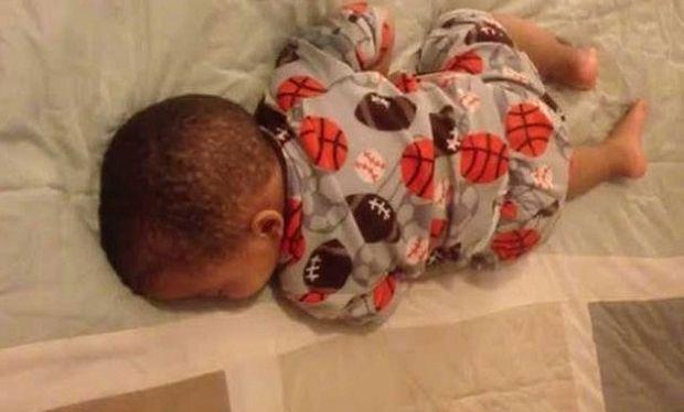 Δεν θα το πιστεύετε πώς αντιδρά ένα μωρό που ενώ κοιμάται ακούει ένα τραγούδι! (βίντεο)