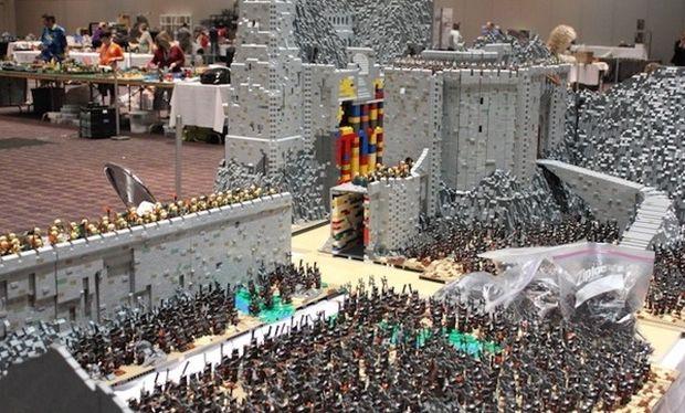 Εντυπωσιακό! Μία μάχη του Άρχοντα των Δαχτυλιδιών από lego! (εικόνες)