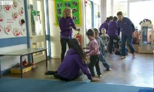 Kάσπερ: Το ρομπότ που βοηθάει τα παιδιά με αυτισμό (βίντεο)