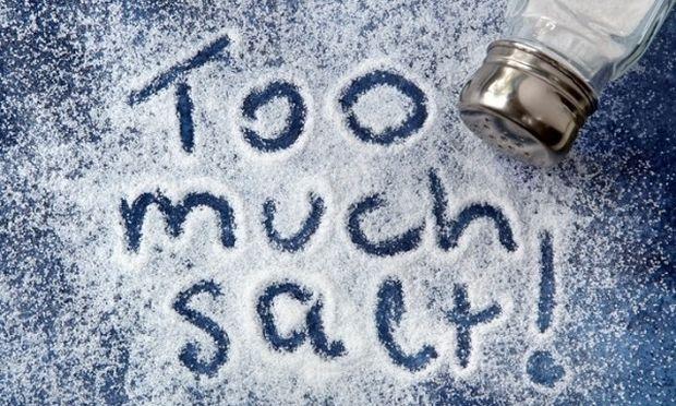 Πώς θα μειώσουμε το αλάτι στη διατροφή μας; Από την διατροφολόγο Ευσταθία Παπαδά