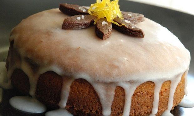 Συνταγή για το πιο αρωματικό κέικ λεμονιού με ολόκληρο λεμόνι!