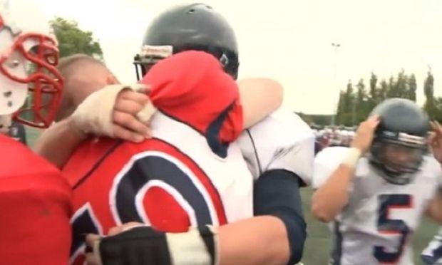 Γύρισε από τον πόλεμο κι έκανε μία υπέροχη έκπληξη στο γιο του! (εικόνες)