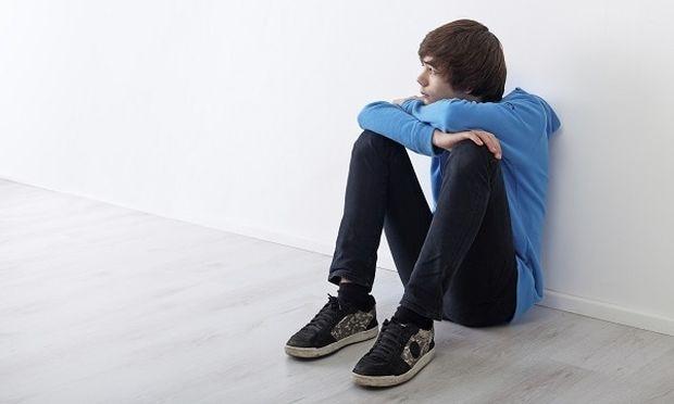 «Είμαι 17 χρονών και αντιμετωπίζω ένα σεξουαλικό πρόβλημα. Σε ποιον να μιλήσω;». Γράφει ο Θάνος Ασκητής
