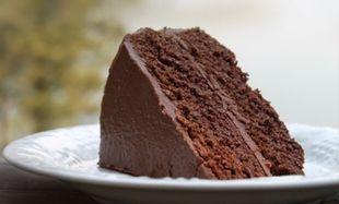 Μεγάλη Δευτέρα: Ένα νηστίσιμο σοκολατένιο κέικ για να ξεκινήσουμε... γλυκά!