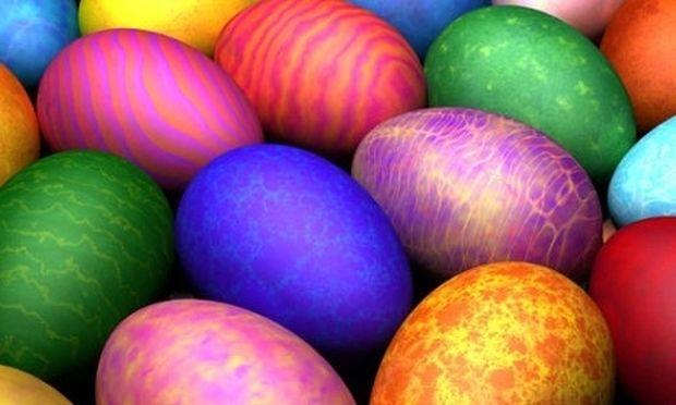 Φτιάξτε μόνες σας σπιτική βαφή πασχαλινών αυγών!