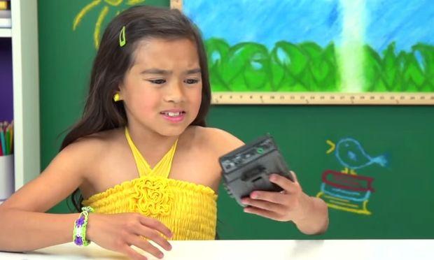 Πώς αντιδρούν τα παιδιά όταν βλέπουν για πρώτη φορά γουόκμαν; (βίντεο)