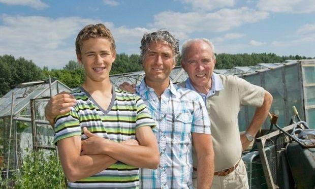 Ο γιος γίνεται τελικά σε κάποια ηλικία όπως ο πατέρας του