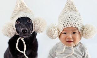 Ίδια ρούχα, ίδια πόζα! Μωρό και σκυλί σε απίθανες φωτογραφίες!