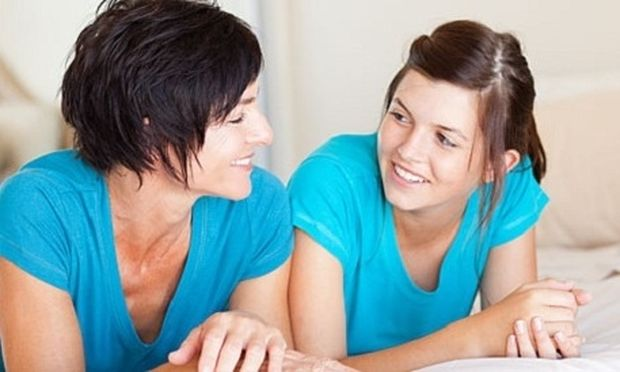 Εμμηνος ρύση: Πώς προετοιμάζουμε την κόρη μας