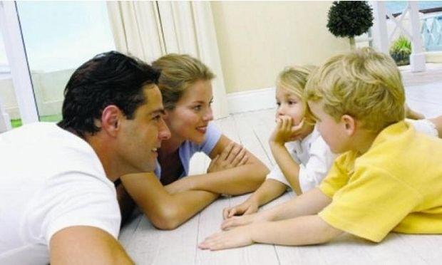 Μιλάμε στα παιδιά μας για τη νέα οικονομική μας κατάστασή. Συμβουλεύει η Αλεξάνδρα Καππάτου