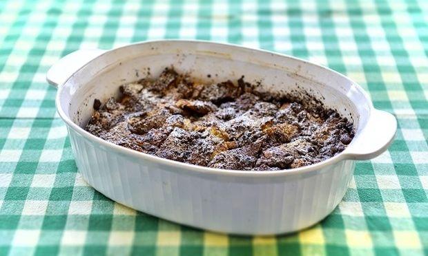 Συνταγή για πουτίγκα τσουρεκιού με σοκολάτα από τον Γιώργο Γεράρδο