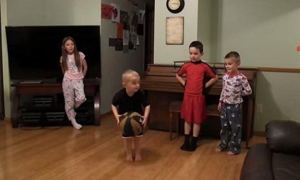 Δεν μπορείτε να φανταστείτε τι κάνει αυτό το δίχρονο αγοράκι! Τέτοιο ταλέντο δεν έχετε ξαναδεί (βίντεο)