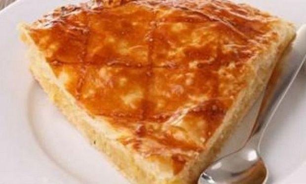 Συνταγή για την πιο νόστιμη κι εύκολη γιαουρτόπιτα!