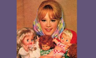 Oταν η Αλίκη Βουγιουκλάκη έγινε κούκλα 48 χρόνια πριν! (εικόνες)