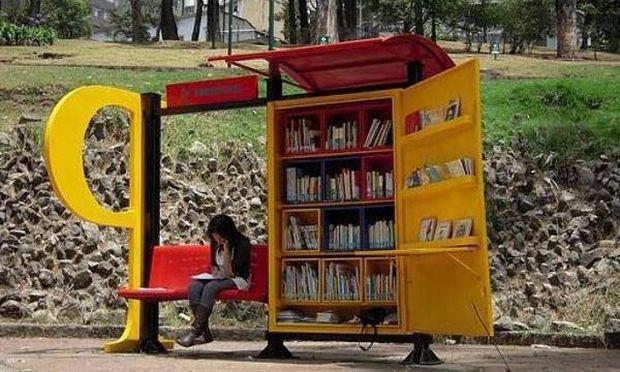 Απίθανο! Οταν οι στάσεις λεωφορείων μεταμορφώνονται σε βιβλιοθήκες!