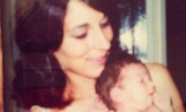 «Μαμά σ' ευχαριστώ που υπάρχεις!», διάσημη Ελληνίδα τραγουδίστρια σε βρεφική ηλικία με τη μητέρα της!