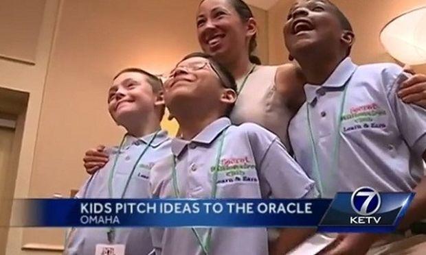 Γουόρεν Μπάφετ: Ενας από τους πλουσιότερους ανθρώπους του κόσμου έδωσε τον... λόγο στα παιδιά! (βίντεο)