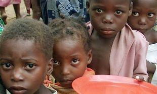 Εκθεση- σοκ! Εως και 200.000 παιδιά κάτω των 5 ετών κινδυνεύουν θανάσιμα από υποσιτισμό στη Σομαλία