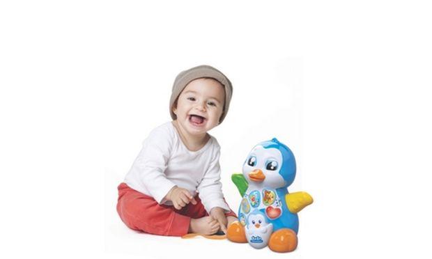 Είμαι ενθουσιασμένη! Το μωράκι μου άρχισε να γίνεται «παιδάκι» και να εκδηλώνει την επιθυμία του για παιχνίδι!