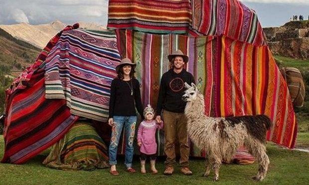 Αυτή η οικογένεια εδώ κι 1,5 χρόνο ταξιδεύει! Δείτε το μοναδικό οδοιπορικό (εικόνες)