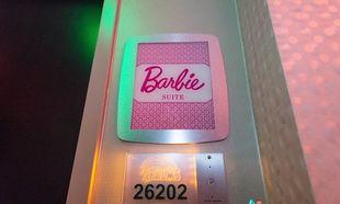 Ένα δωμάτιο αποκλειστικά για κορίτσια! Η Barbie έχει τη δική της σουίτα! (εικόνες)