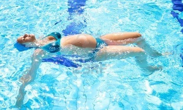 Aqua yoga: Ολα όσα πρέπει να ξέρουν για μέλλουσες μανούλες!
