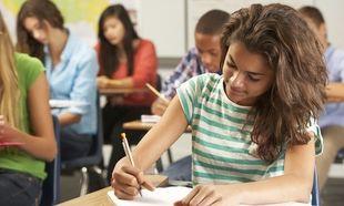 Πανελλήνιες 2014: Με Λατινικά, Χημεία, Ηλεκτρολογία και Ανάπτυξη εφαρμογών συνεχίζονται οι εξετάσεις