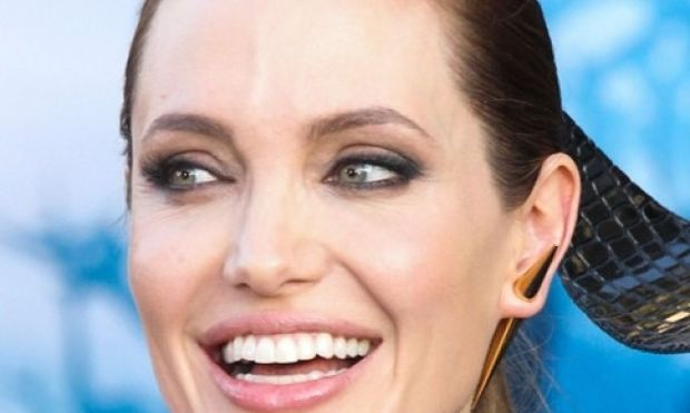 Αυτό είναι το μυστικό της Angelina Jolie για λαμπερή επιδερμίδα!