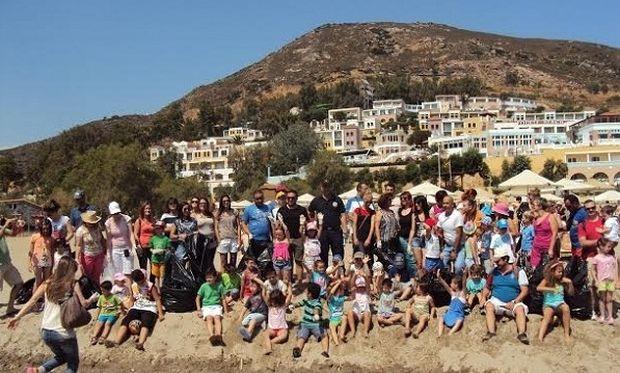 Αξίζουν ένα μεγάλο μπράβο! Μαθητές νηπιαγωγείου καθάρισαν παραλία της Κρήτης! (εικόνες)