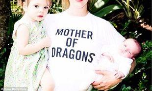 Αυτή η διάσημη μαμά -όπως βλέπετε- είναι φανατική της σειράς Game of Thrones! (φωτογραφίες)