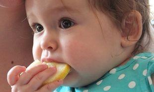 Μωράκια δοκιμάζουν για πρώτη φορά λεμόνι! Το απολαυστικό βίντεο που θα σας φτιάξει την διάθεση!