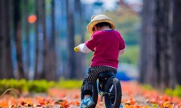 Πώς θα μάθει το παιδί μου ποδήλατο εύκολα;