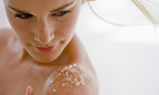 Φτιάξτε απολεπιστικό σώματος από θαλασσινό αλάτι!