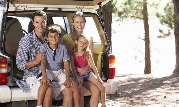 Ηλιος και ζέστη: tips για να προστατεύσουμε τα παιδιά μας όταν ταξιδεύουμε!