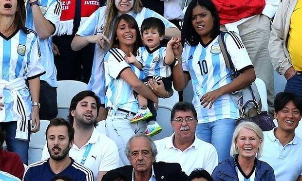 Το λιλιπούτειο γούρι του Λάιονελ Μέσι κλέβει την παράσταση στο παγκόσμιο κύπελλο!