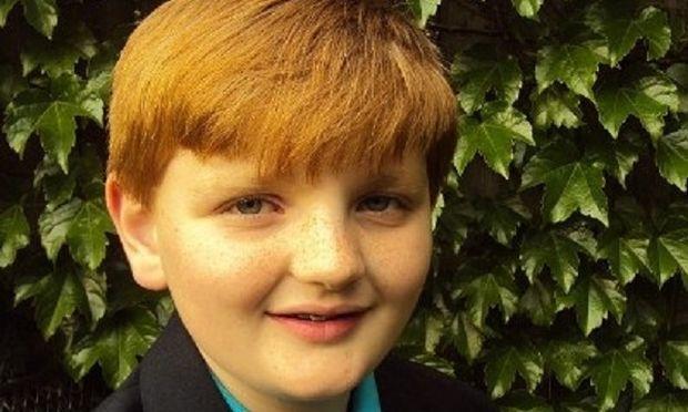 Υποκλινόμαστε! 12χρονος βάζει τέλος στους θανάτους μωρών μέσα σε αυτοκίνητα!