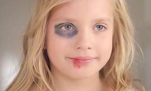 «Μαμά θα γίνω σαν και σένα». Η ενδοοικογενειακή βία μέσα από τα μάτια ενός παιδιού (βίντεο)