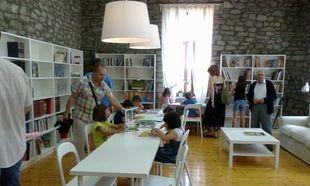 Πλημμύρισε από παιδιά η καινούρια παιδική βιβλιοθήκη στην Κρανιά Γρεβενών!