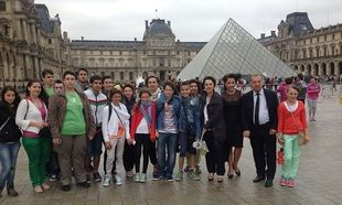 Τη Νίκη της... καρδιάς τους επισκέφθηκαν δώδεκα μαθητές από τη Σαμοθράκη στο Μουσείο του Λούβρου